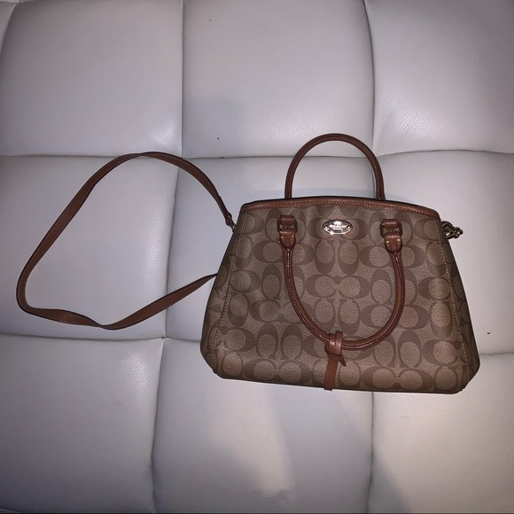 Coach hand bag with should strap